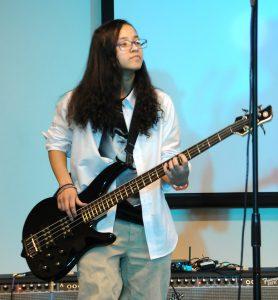 Elizabeth Espenschied (`19) performing at Live Jive.